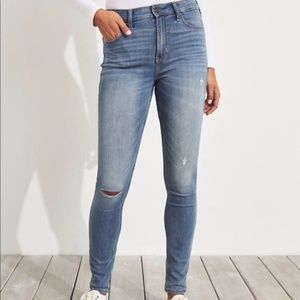 Hollister Light Wash High Rise Super Skinny Jeans